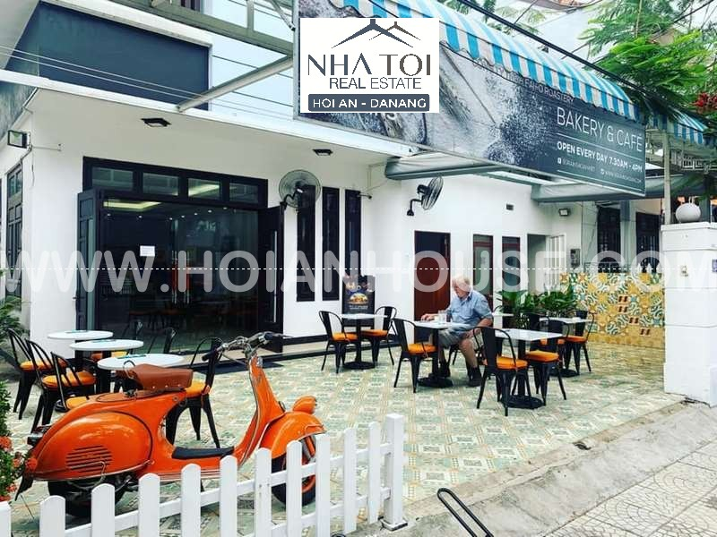 BAKERY AND CAFÉ FOR SALE (#HAS10)