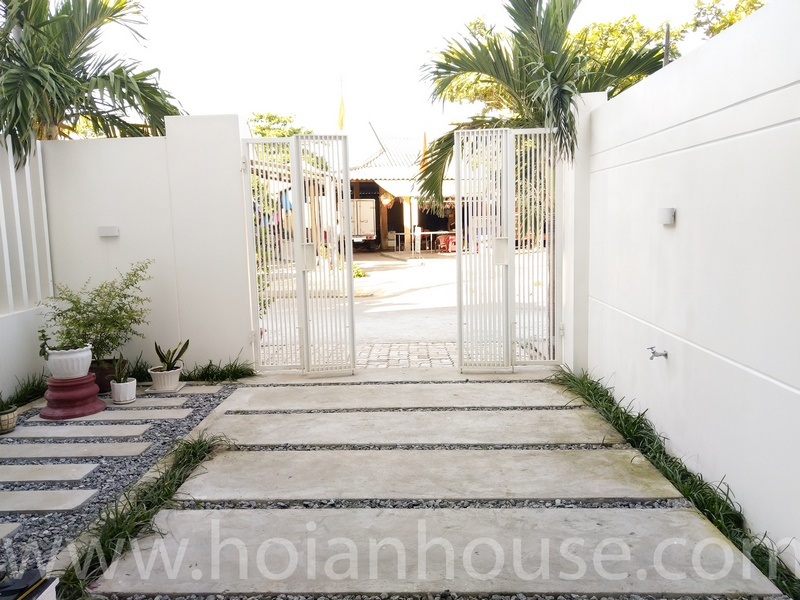 3 BEDROOM HOUSE FOR RENT IN HOI AN (AN BANG BEACH) (#HAH363)_7